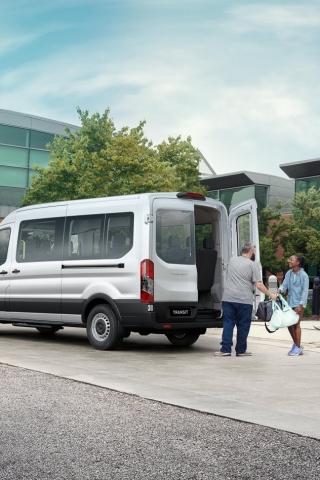 Découvrez la Transit Bus: de l'espace pour tout le monde